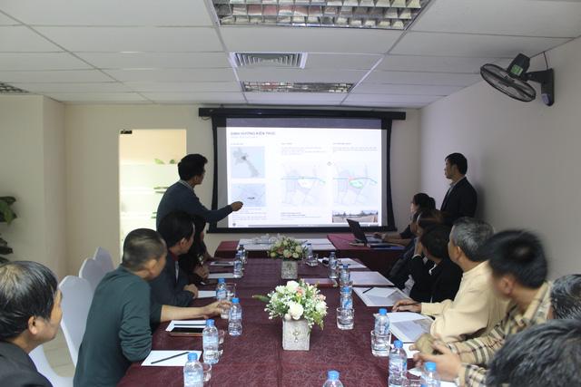 Lãnh đạo, nhân viên của CDO họp cùng Chủ tịch tỉnh Xiêng Khoảng