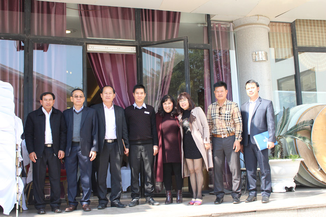 Lãnh đạo của CDO và lãnh đạo tỉnh Xiêng Khoảng