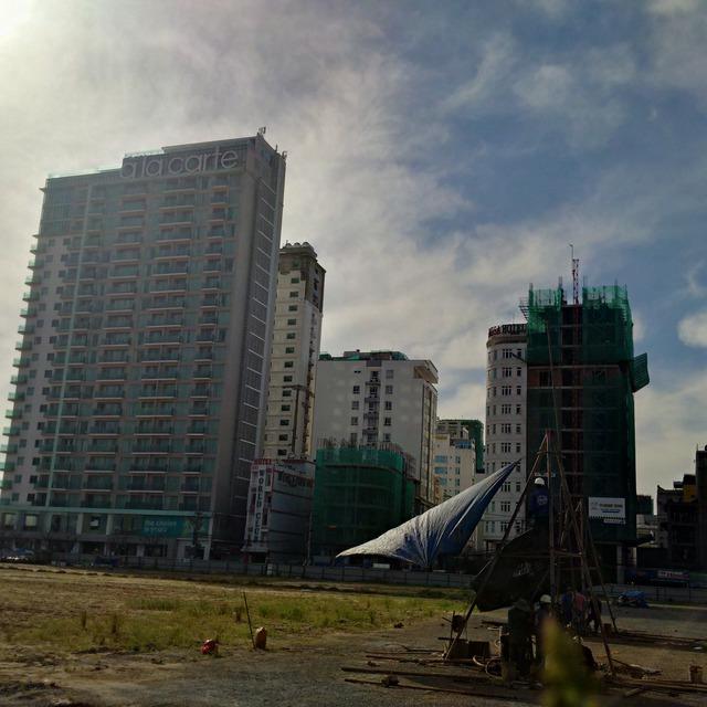 Đó là chưa kể một số dự án bắt đầu xây dựng, hứa hẹn cung cấp cho thị trường hơn 10.000 căn hộ condotel trong giai đoạn 2018-2020.