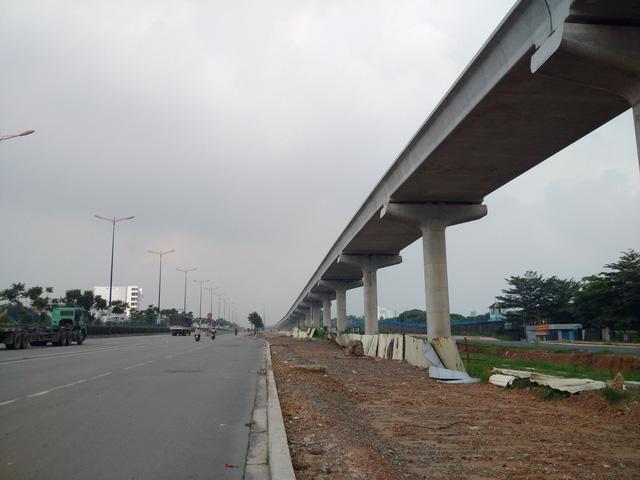 Dự án đang được nối dài thông suốt từ nhà ga đầu tiên ở quận Thủ Đức về đến cầu Sài Gòn (quận 2).