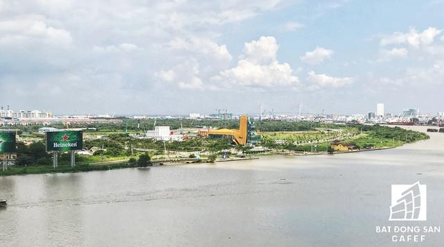 Thủ Thiêm được nhìn từ hướng trung tâm quận 1