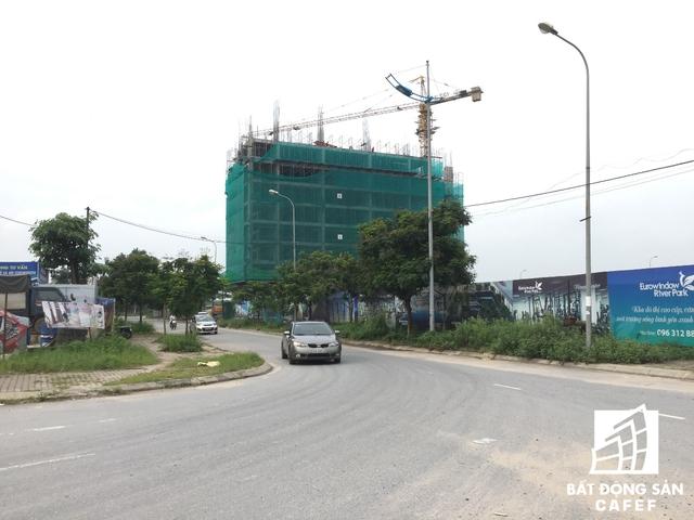 Theo ghi nhận vào đầu tháng 10 tòa chung cư nhà ở xã hội tại dự án đang thi công đến tầng 9.