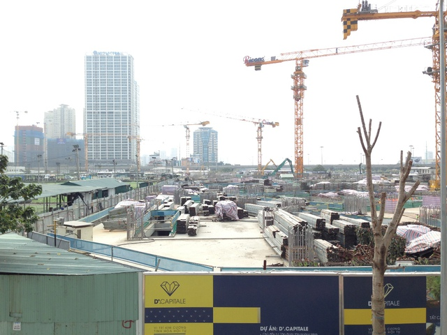 Toàn cảnh công trường dự án đang xây dựng đến phần thân.