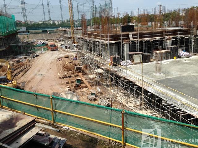 Hiện tại dự án đã bắt đầu xây dựng những tầng đầu tiên của phần thân.