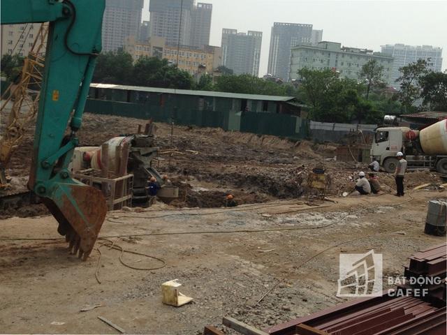 Tiến độ dự án đầu tháng 5 mới đang trong giai đoạn khoan cọc nhồi.