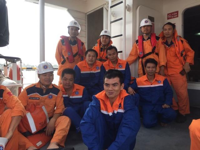 Các thuyền viên tàu Hồng Anh 69 được cứu