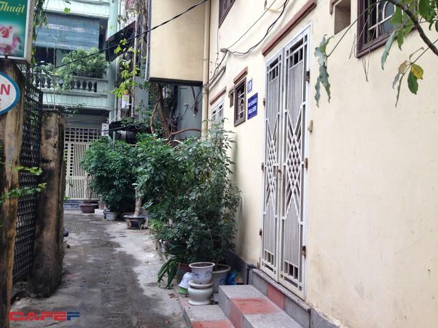 Ngôi nhà màu vàng bên phải chính là nhà riêng của bà Trần Kim Nga, Tổng giám đốc công ty Vietnam Beverage