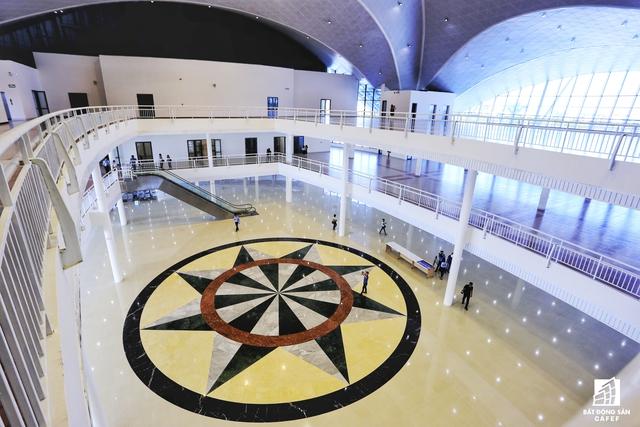 Trung tâm Báo chí quốc tế được nâng cấp, cải tạo từ Trung tâm hội chợ - triễn lãm. Với tổng mức đầu tư 178,8 tỷ đồng, Trung tâm Báo chí quốc tế bảođảm nhiều công năng phục vụ: sảnh đón tiếp, phòng an ninh, y tế, phòng đa năng, phòng họp báo lớn, phòng phục vụ và các khu vực phụ trợ khác