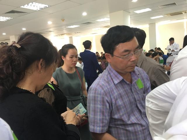 Nhiều nhà đầu tư đặt cọc đăng ký mua liền kề và biệt thự Phúc Ninh ngay tại buổi lễ ra mắt dự án.