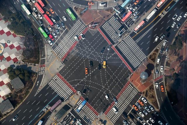 Từ đây, người ta không chỉ quan sát cả thủ đô Seoul mà còn có thể nhìn thấy những cảnh vật dưới chân mình.