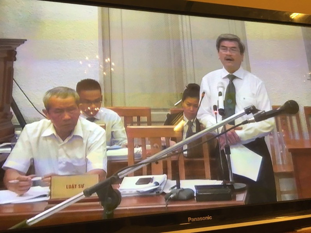 Phiên tòa sáng 15/9: Luật sư đề nghị trả hồ sơ điều tra bổ sung về khoản tiền quy buộc Nguyễn Xuân Sơn chiếm đoạt - Ảnh 1.