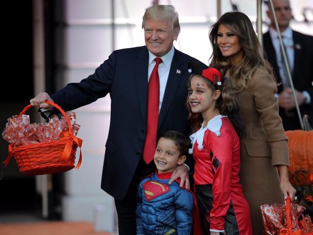 ma 10 1509421701611 Nhà Trắng đầy ma mị trong đêm Halloween