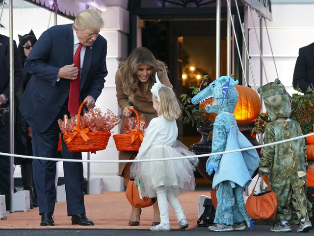 ma 9 1509421701612 Nhà Trắng đầy ma mị trong đêm Halloween