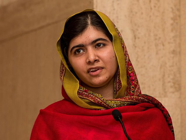 Gần đây, Malala mới xuất bản cuốn sách dành cho trẻ em có tên Cây bút chì màu nhiệm của Malala, khuyến khích những đứa trẻ theo đuổi giấc mơ dù có bị cấm đoán.