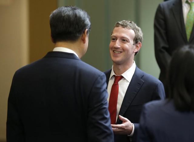 Mark Zuckerberg trong cuộc gặp với Chủ tịch Trung Quốc Tập Cận Bình. Ảnh: Getty