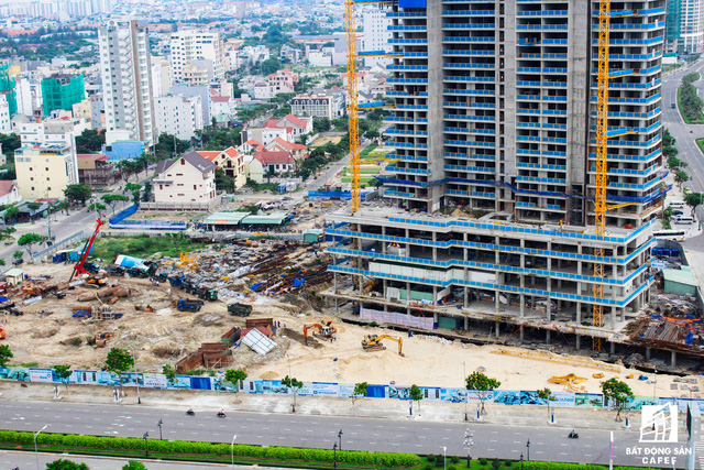 Dự án nghỉ dưỡng cao cấp Soliel Ánh Dương của tập đoàn PPC An Thịnh tuy có tiến độ xây dựng khá tốt nhưng vẫn không kịp dưa vào phục vụ APEC.