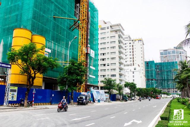 Khu vực gần bán đảo Sơn Trà hiẹn có 8 dự án condotel đang trong quá trình xây dựng.