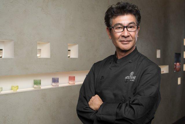 Hiroshi Kimura là chủ sở hữu kiêm đầu bếp của nhà hàng. Ông quyết định rời bỏ cơ ngơi ở Hawaii, tới Thung lũng Silicon năm 2016 để hiện thực hóa ý thưởng thu hút tầng lớp lãnh đạo cấp cao trong giới công nghệ. Phong cách phục vụ độc đáo với món ăn nổi tiếng là thịt bò rắc bột vàng khiến nhà hàng của Kimura trở nên khá ấn tượng.