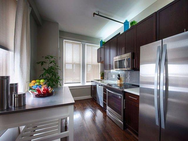 Với số tiền 1.044 USD/tháng, The Rice ở Houston, Taxas là lựa chọn lý tưởng cho những người muốn thuê. Tòa nhà được coi là một trong những cấu trúc biểu tượng nhất của Houston, nằm cách chung tâm thành phố chỉ vài bước chân.