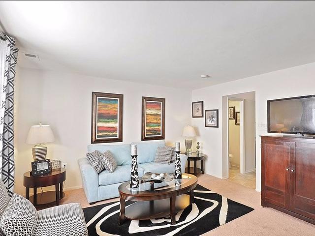 Với 1.025 USD/tháng, bạn có thể thuê được một khu nhà rộng rãi với 2 phòng ngủ, 2 phòng tắm của một căn hộ hiện đại, sang trọng nằm cách trung tâm thành phố Milford Mill, Maryland 15 km. Đường vào thành phố thuận lợi là ưu điểm của khu nhà này.