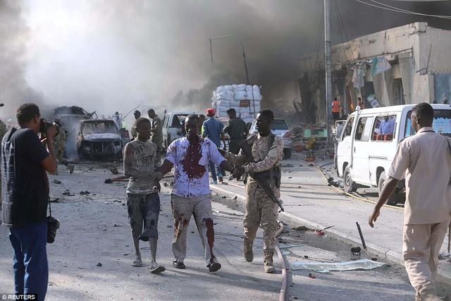 Bác sĩ Mohamed Yusuf, giám đốc Bệnh viện Medina, cho biết, rất nhiều người bị thương được đưa tới bệnh viện. Không giống như những vụ tấn công trước đó, những gì xảy ra cuối tuần qua là điều kinh hoàng chưa từng có.