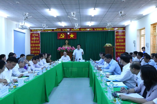 Bí thư Thăng yêu cầu Sở Xây dựng quyết liệt xử lý xây dựng không phép, trái phép ở huyện Bình Chánh.