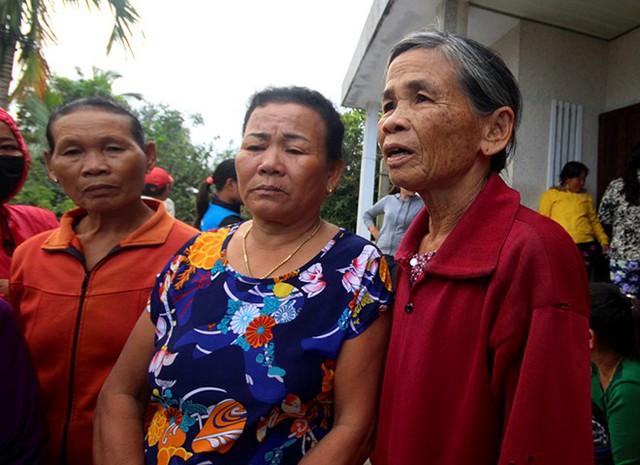 Hàng chục hộ dân thôn Tân An (xã Bình Minh) đã làm đơn tố cáo hành vi trốn nợ của Trần Thị Hải. Ảnh: Đức Phương.