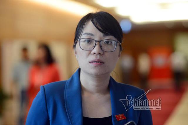 ĐBQH trẻ nhất đoàn Phú Yên Phạm Thị Minh Hiền, sinh năm 1978. Ảnh: Phạm Hải