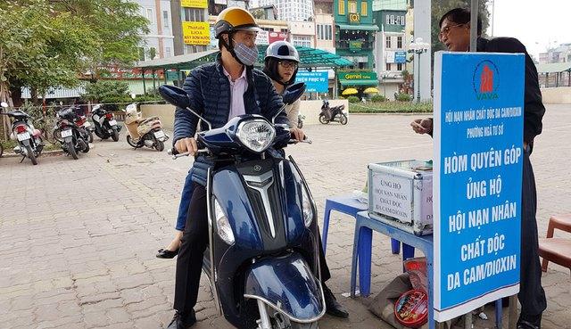 Bãi xe từ thiện phục vụ chùa Phúc Khánh vắng khách do vị trí không thuận tiện. Ảnh: Công Trình
