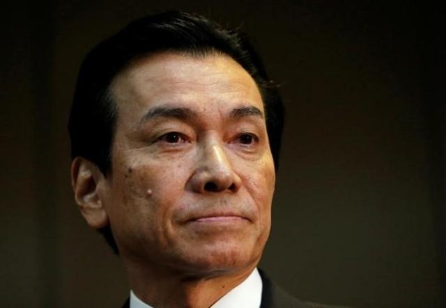 Chủ tịch Toshiba Shigenori Shiga từ chức để nhận trách nhiệm về khoản lỗ của doanh nghiệp. Ảnh: Reuters.