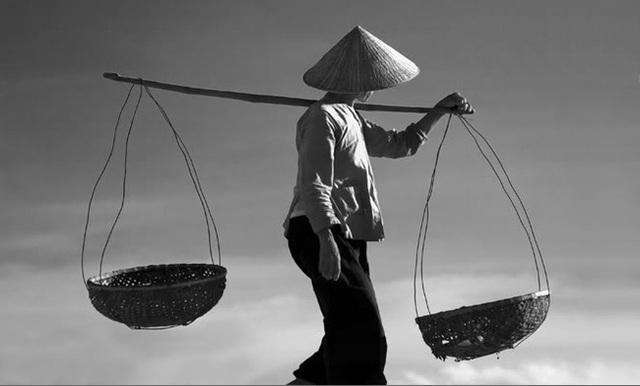Người vợ Tào Khang luôn được người đời ca ngợi vì ở bên chồng lúc khó khăn hoạn nạn (Ảnh: Internet)