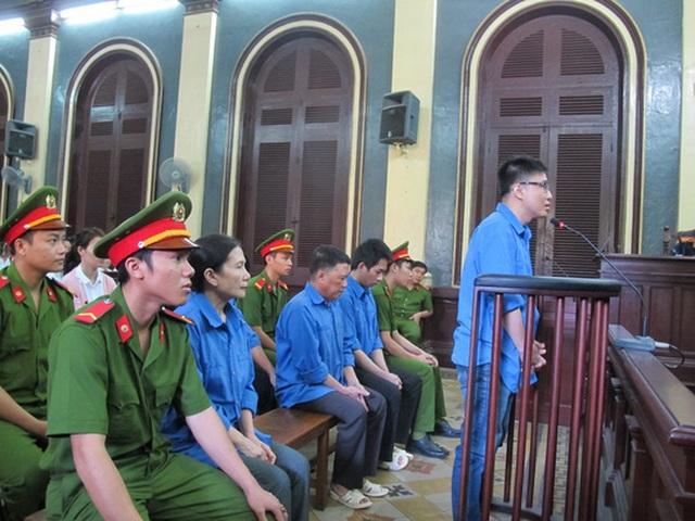 Nguyễn Thị Hoàng Oanh cùng các đồng phạm
