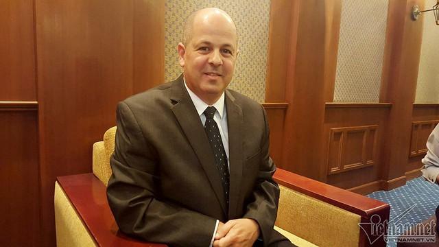 Tổng giám đốc Xsight systems Alon Nitzan