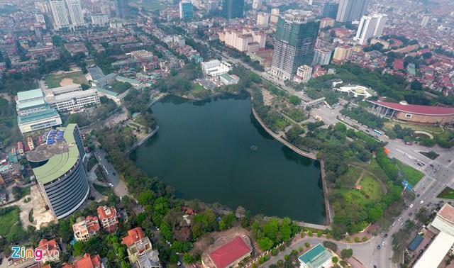 Một dự án chung cư cạnh hồ Nghĩa Đô được chào bán với mức giá từ 60 triệu đồng/m2. Ảnh: Tiến Tuấn.
