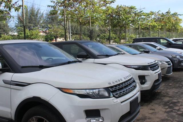 Ô tô đắt tiền nhập về Việt Nam giảm mạnh. Ảnh: BHQ
