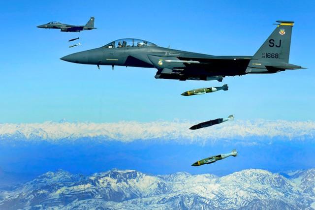 Mỹ từng dự định phá hủy cơ sở hạt nhân Triều Tiên bằng vũ khí dẫn đường công nghệ cao. Ảnh minh họa: Không quân Mỹ.