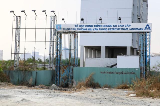 PetroVietnam Landmark, dự án tai tiếng đã bán nhà cho gần 400 người từ 6 năm trước đến nay vẫn chưa hoàn thiện và lùm xùm kiện cáo. Ảnh: Hải An.