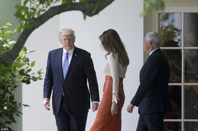 Đây là lần đầu tiên ông Trump công du nước ngoài kể từ khi nhậm chức vào hồi tháng 1/2017. (Ảnh: EPA)