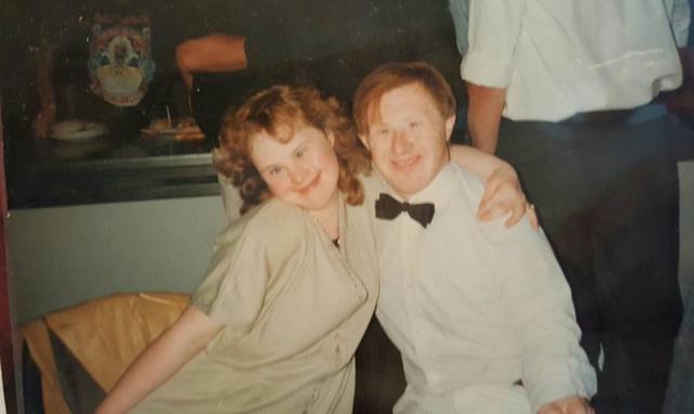 Hình ảnh của ông Tommy và bà Maryanne trong những ngày đầu gặp gỡ.