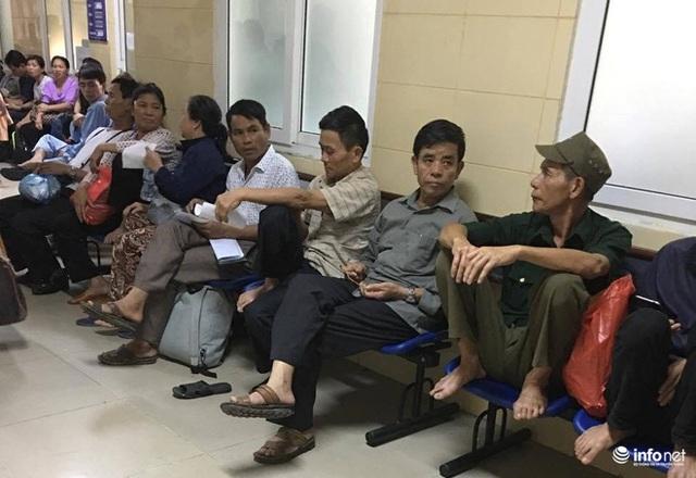 Bệnh nhân chờ khám ung thư tại Bệnh viện K 3.