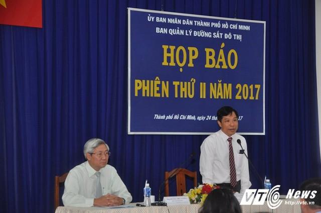 Trưởng Ban quản lý đường sắt đô thị Lê Nguyễn Minh Quang chủ trì buổi họp thông báo về lễ khởi động máy khoan TBM.