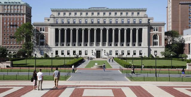 Trường đại học Columbia là nơi tỷ phú Warren Buffett và 578 người giàu có khác từng theo học. Ước tính tổng tài sản của họ đạt 307 tỷ USD