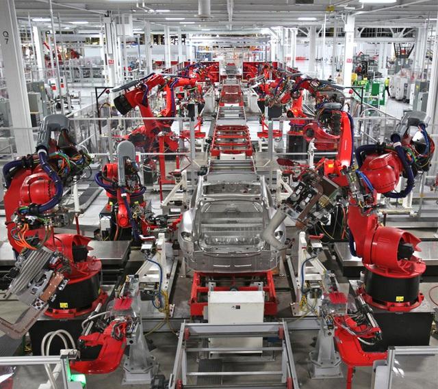 Bên trong nhà máy Tesla.