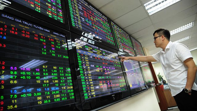 Thị trường chứng khoán sôi động trở lại.