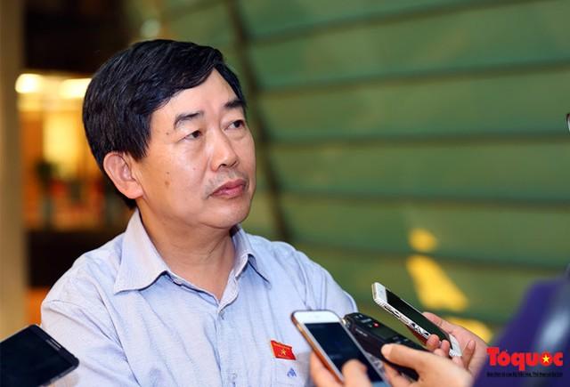 Phó Chủ nhiệm Ủy ban Văn hóa, Giáo dục Thanh niên, Thiếu niên và Nhi đồng của Quốc hội Nguyễn Văn Tuyết.