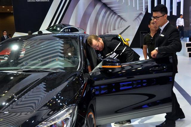 Doanh nghiệp nhỏ kinh doanh ô tô vẫn phải đối mặt với nhiều khó khăn từ các quy định Ảnh: TẤN THẠNH