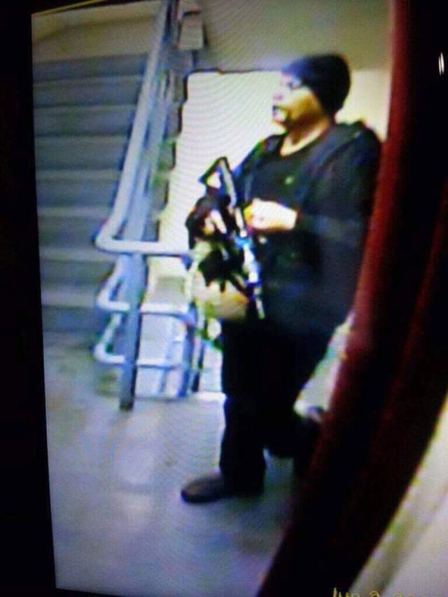 Hình ảnh đầu tiên của tay súng từ camera an ninh