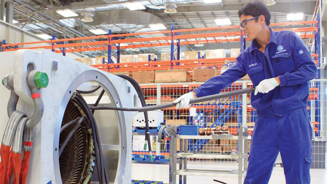 Hoạt động sản xuất tại nhà máy sản xuất tua bin điện gió của GE tại Hải Phòng (ảnh: theo baodautu)