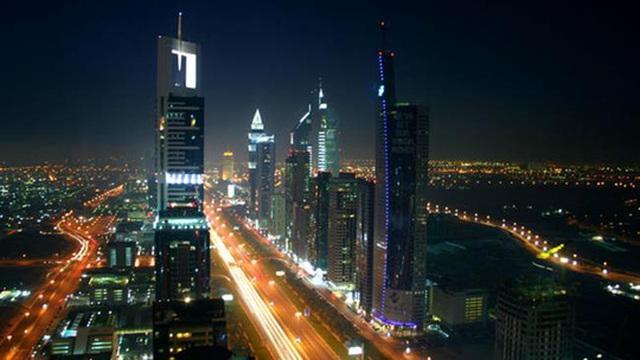 Không có nguồn khí thiên nhiên từ Qatar, các tòa nhà chọc trời tại Dubai sẽ trở nên tối tăm vì thiếu điện. Ảnh: Press TV