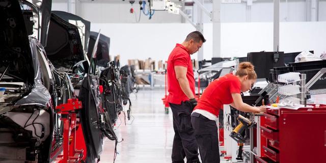 Nhà máy lắp ráp xe Tesla tại Fremont, California.